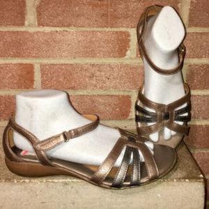 bdd089793b9c Naturalizer N5 Caliah comfort Sandals PEWTER Alloy